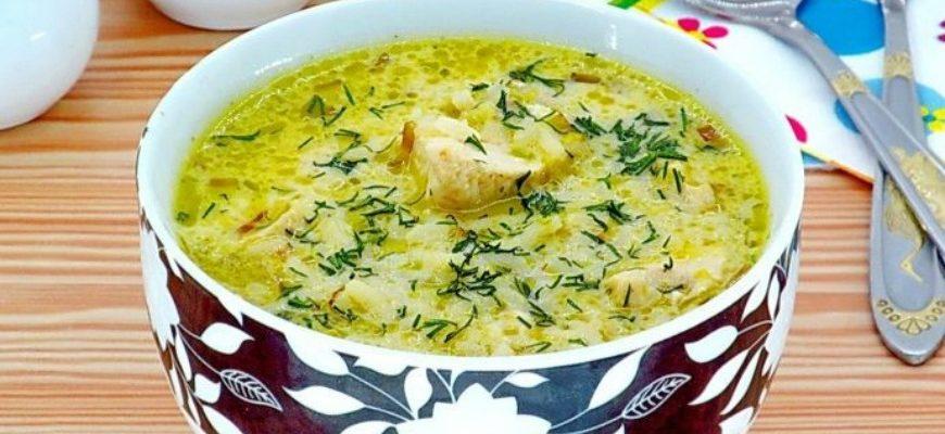 Курячий суп з рисом і сиром - рецепт