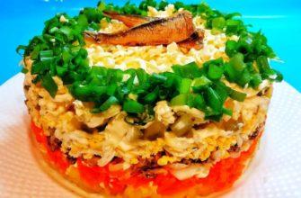 Салат з шпротів, плавленого сиру і солоних огірків - рецепт