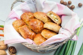 Здобні пиріжки з цибулею і яйцем - рецепт