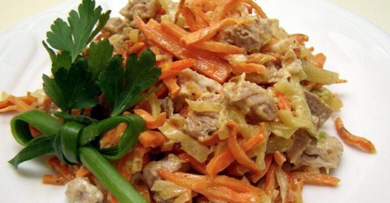 Бюджетний салат перевірений роками, рецепт приготування