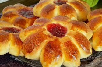 Дріжджові булочки з полуничним джемом, рецепт приготування