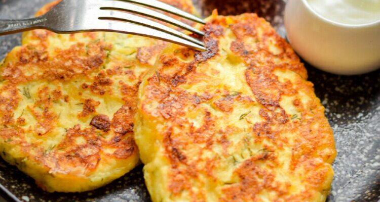 Дуже апетитні сирники, рецепт приготування