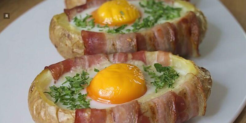 Картопля, запечена в духовці з яйцями, рецепт приготування