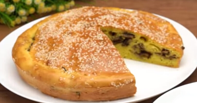 Смачний пиріг з грибами, рецепт приготування