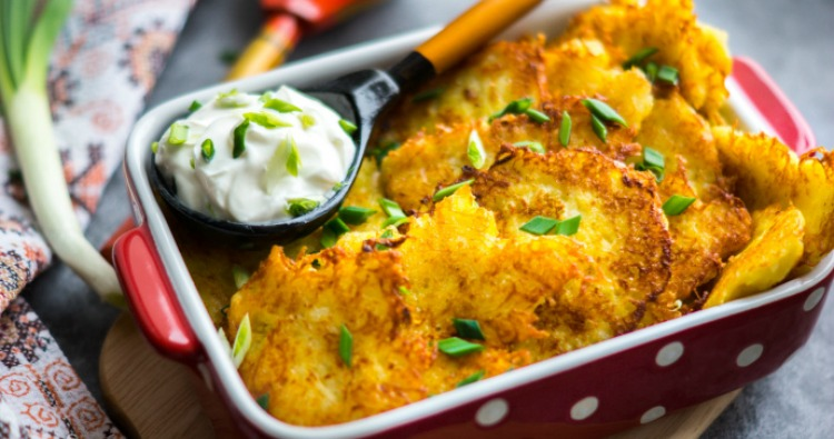 Картопляні деруни з сиром - рецепт приготування