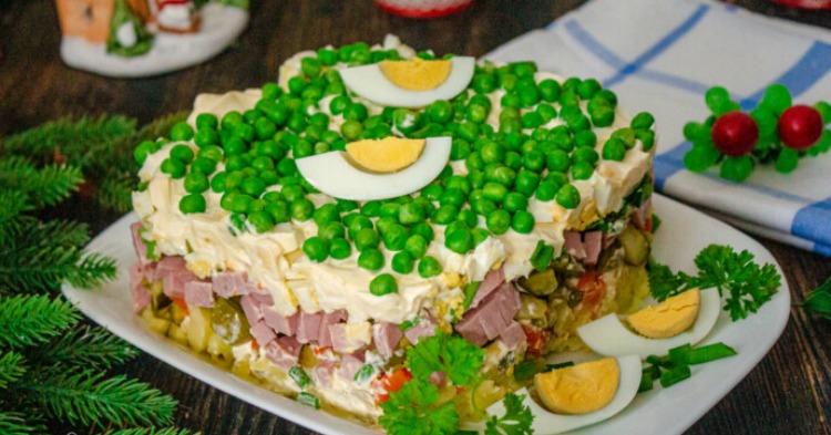 Торт-салат Олів'є - відмінний рецепт