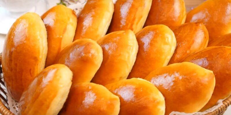 Пиріжки з яблучним повидлом - рецепт приготування