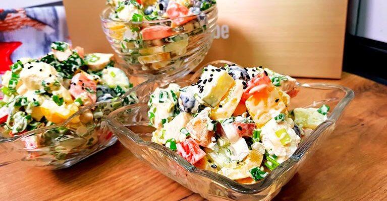 Смачний салат «Білосніжка» - рецепт приготування