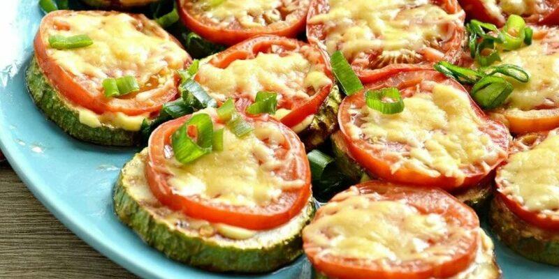 Кабачки з помідорами і сиром - рецепт приготування