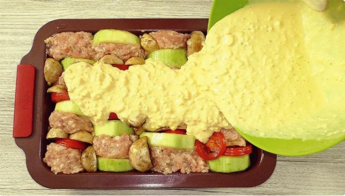 Беру фарш, овочі і готую «кабачки навпаки». Смажити і біля плити стояти не потрібно