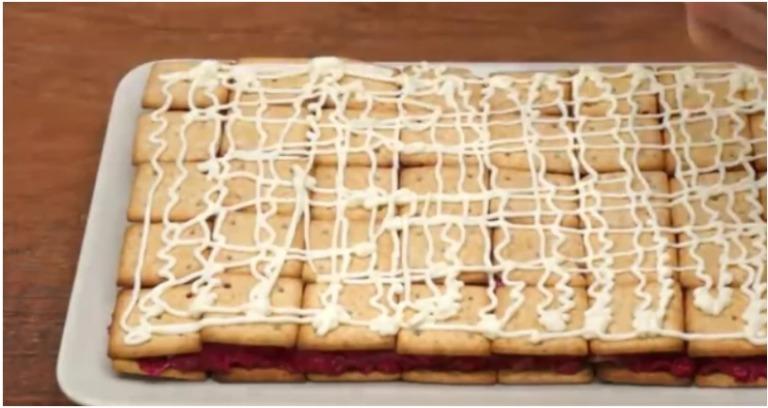 Рецепт приголомшливого закусочного торта: красивий, апетитний і смачний
