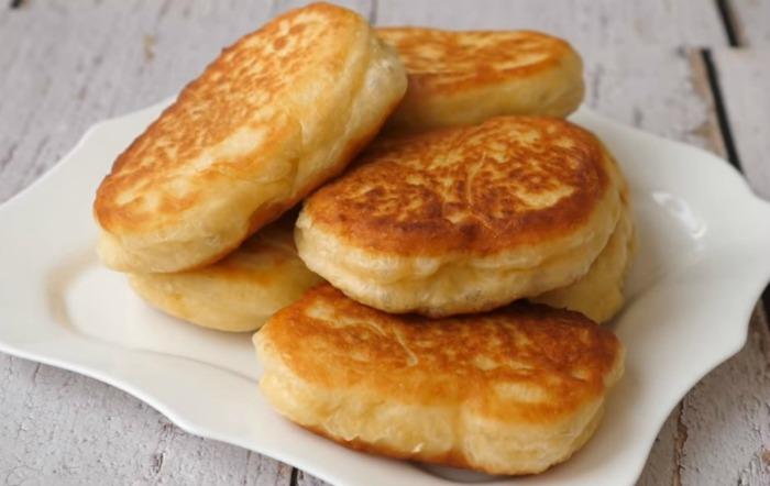 Домашні пиріжки з картоплею! Смачне тісто: виходять м'які і пишні пиріжки