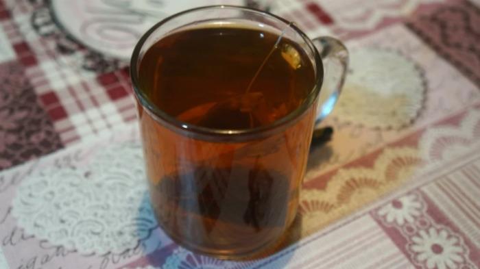 Потрібно змішати кухоль чаю з борошном: показую, як приготувати пиріг «Банкрут»