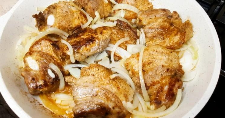 Беру свинячі реберця і готую смачну вечерю: ділюся цікавим рецептом