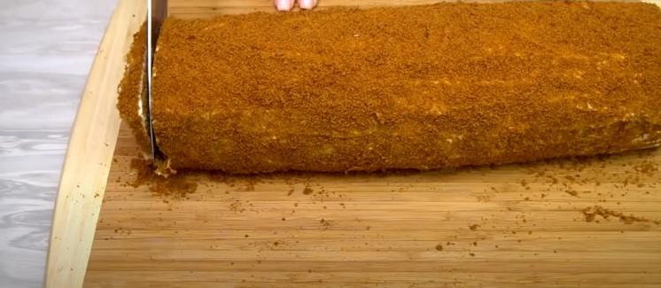 Карамельний медовик, який я готую без розкачування тіста