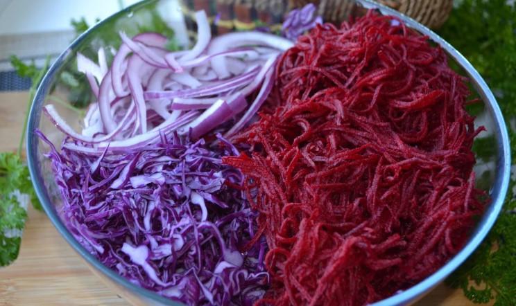 Мій новий рецепт салату з капустою, який я готую буквально за 10 хвилин. Море вітамінів і яскравого смаку