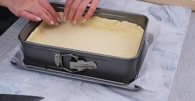 Готуємо сирний сметанник з вишнями для затишного сімейного чаювання