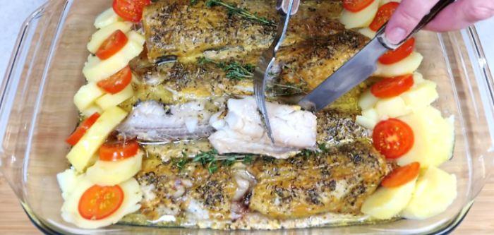 Змащую минтай гірчицею і запікаю в духовці. Простий рецепт смачної і соковитої риби
