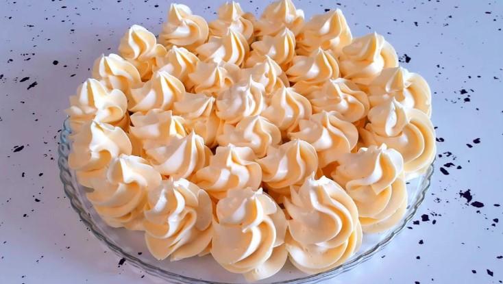 Рецепт крему Шарлотт для тортів, тістечок і десертів
