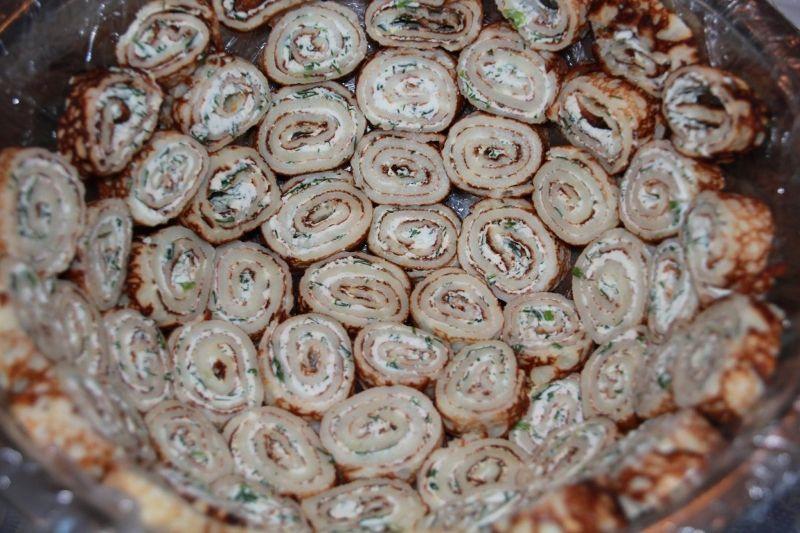 Салат з млинцями і шинкою