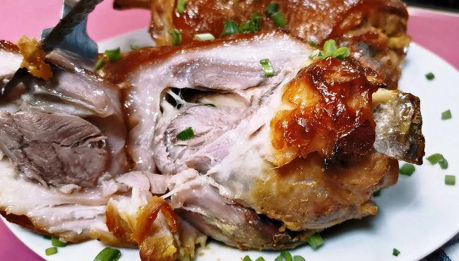 Показую, як приготувати свинну рульку в рукаві, використовуючи тільки гірчицю і мед