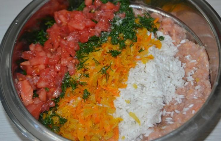 Фаршировані перці м'ясом і рисом. Класичний рецепт!