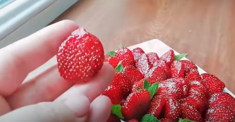 Цукати з полуниці: дуже красиво і апетитно!