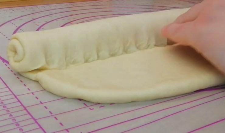 Рецепт смачного батона, з пружною м'якушкою, і до того ж не кришиться