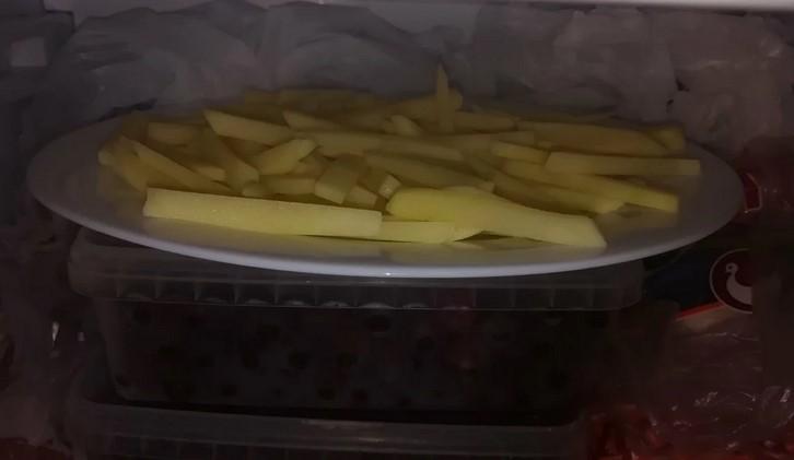 Готую картоплю Фрі без краплі олії, жиру або яєчних білків. Дітям можна їсти хоч кожну день