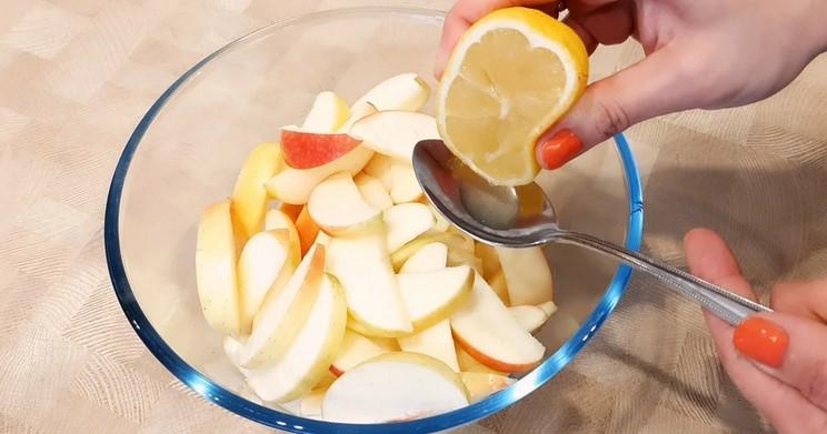 Сільський яблучний пиріг. Супер простий і смачний рецепт!