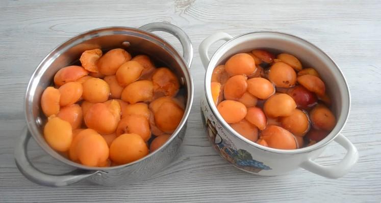 Абрикосовий сік без соковижималки на зиму
