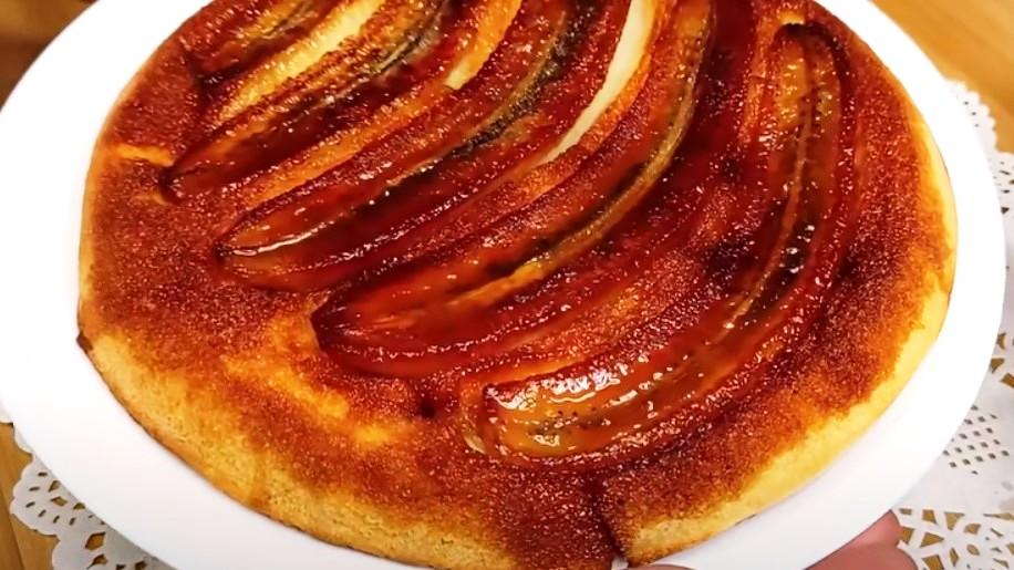 Знаменитий швидкий і легкий банановий пиріг всього з 1 яйцем. Один з найпростіших і легких рецептів