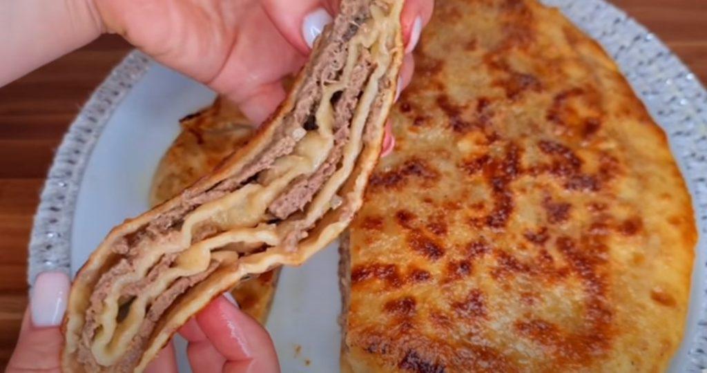 Смачніше пиріжків і чебуреків. Листкові коржі з фаршем на сковорідці: простий рецепт