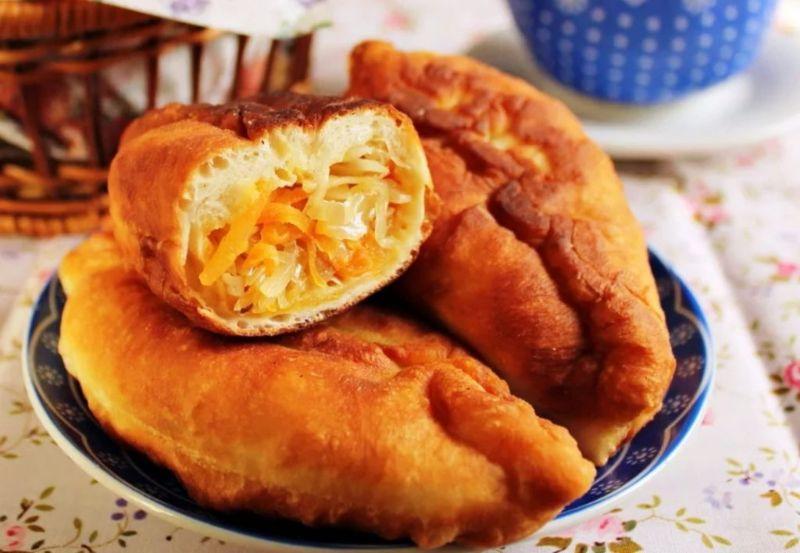 Без дріжджів: рецепт тіста для пиріжків з капустою. Можна смажити, запікати і на пару готувати