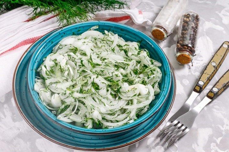 20 найкращих рецептів маринованої цибулі