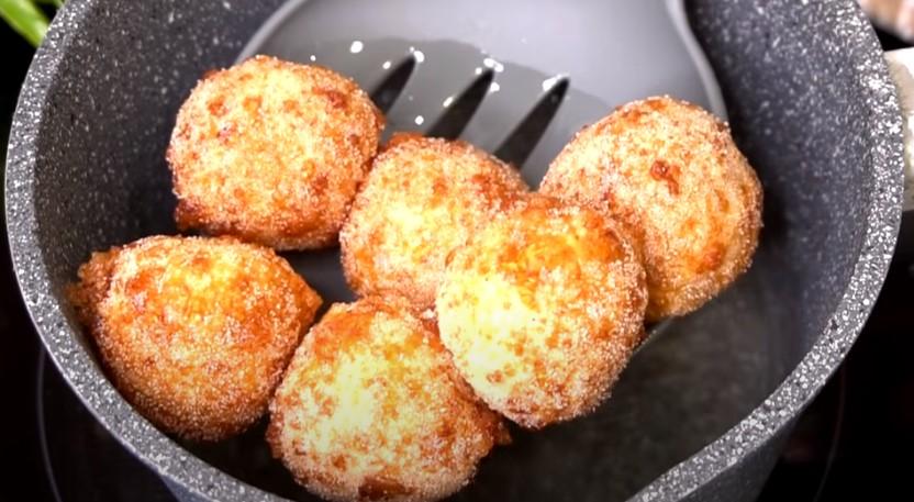 «Сирні колобочки»: в дитинстві мама часто готувала